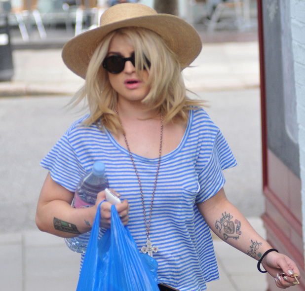 Kelly Osbourne out and about in Primrose Hill London, England - 15.07.11