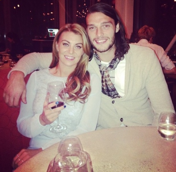 Former TOWIE star Billi Mucklow dines out with boyfriend Andy Carroll. (12 March)