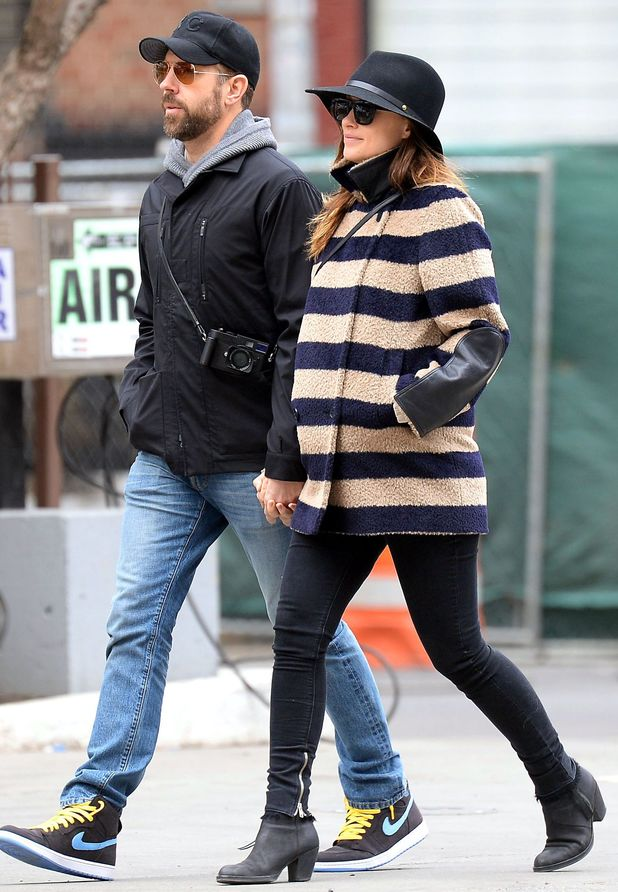 Olivia Wilde and Jason Sudeikis hold hands in New York