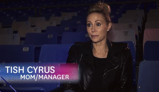 Miley Cyrus behind the scenes Bangerz tour - 18 March 2014 Mum Tish Cyrus