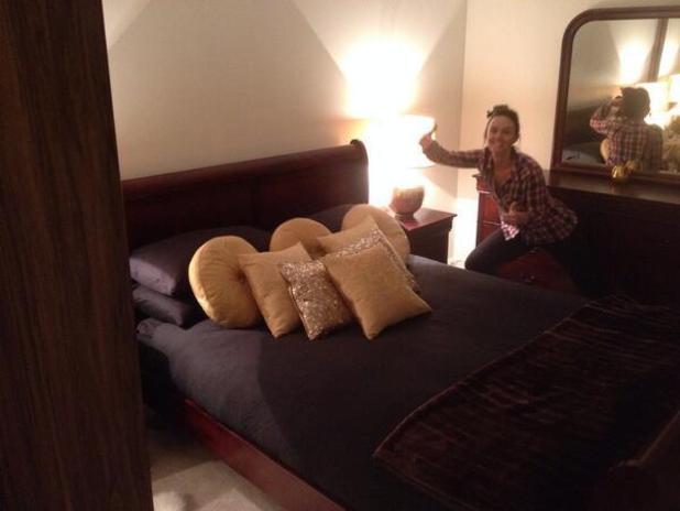 Jennifer Metcalfe helps boyfriend Greg Lake move house - 18 March 2014