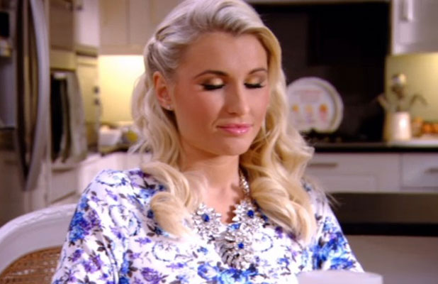 Pregnant Billie Faiers has hypnotherapy class on TOWIE episode, aired 19 March 2014