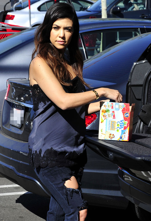 Kourtney Kardashian out and about, Los Angeles, America - 25 Mar 2014