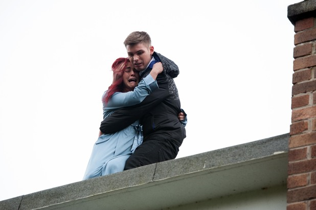 Hollyoaks, Ste rescues Sinead, Thu 10 Apr