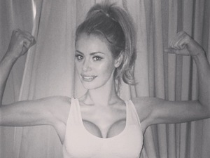 TOWIE's Chloe Sims flexes her muscles in a crop top!