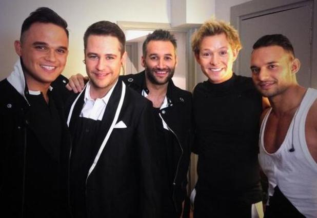 Big Reunion group 5th Story backstage before concert (21 February 2014).