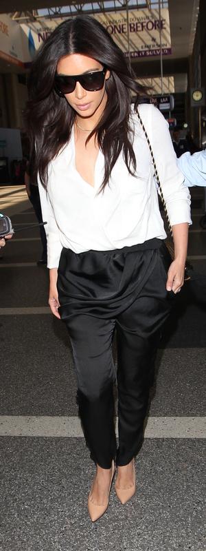 Kim Kardashian arrives at Los Angeles International Airport (LAX) for a flight to Paris - 29th April 2014