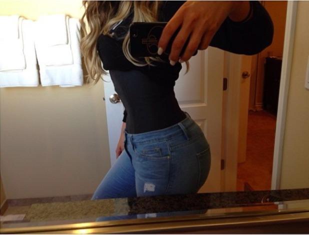 Khloe Kardashian shares picture of teeny waist, 3 May 2014