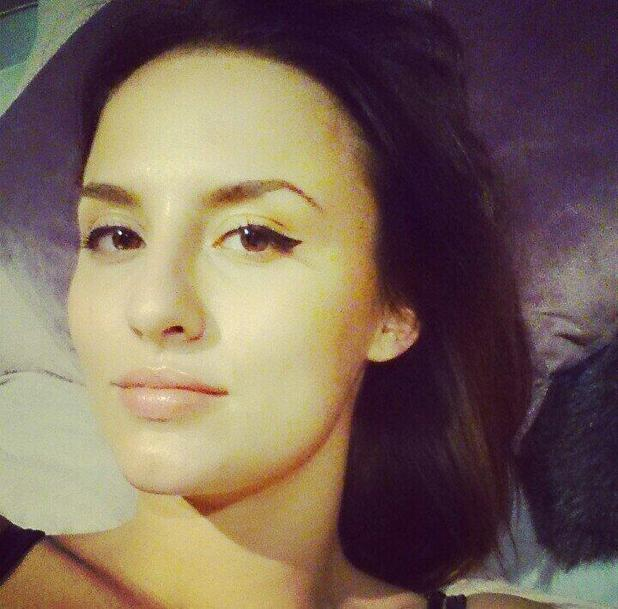 Made In Chelsea's Lucy Watson shows off perfect eyeliner flick in Twitter selfie - 29 April 2014