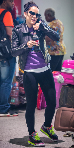Lily Allen arrives at John F. Kennedy International Airport (JFK) New York with a trolley full of luggage - 12 May 2014