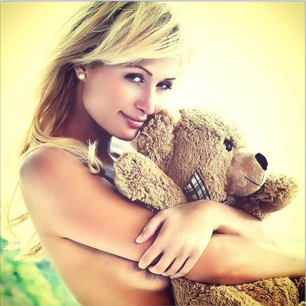 Paris Hilton shares photo with her teddy 13.05.14