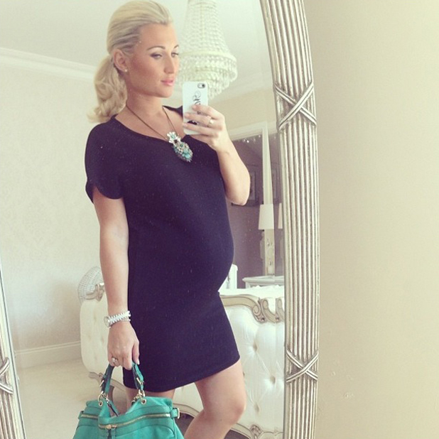 Pregnant Billie Faiers keeps cool in a LBD, Instagram, UK, 16 May 2014