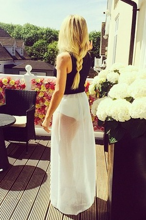 Ellie Goulding Instagram of her British Designers Collective red carpet look - 21 May