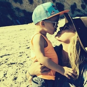 Hilary Duff celebrating Mother's Day with son Luca, May 2014
