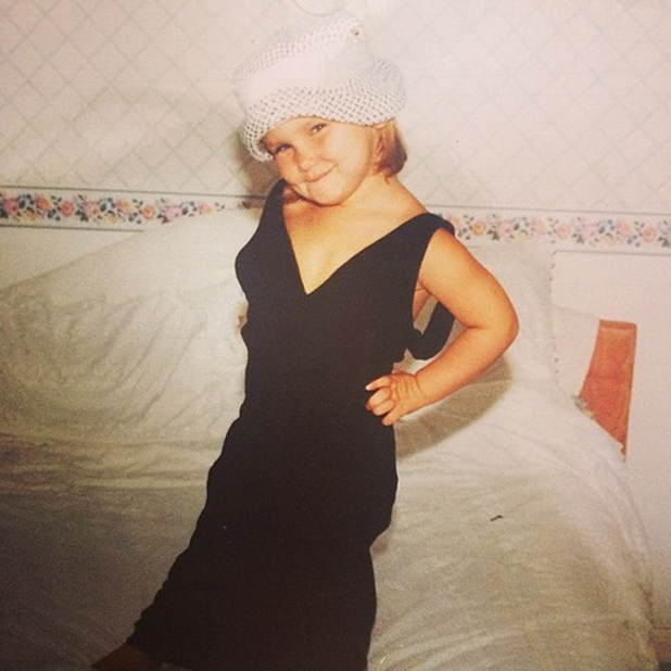 Sam Faiers posts a throwback picture of herself dressed as an adult lady, 29 May 2014