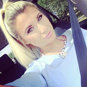 Billie Faiers tweets a selfie of herself in a car, May 2014