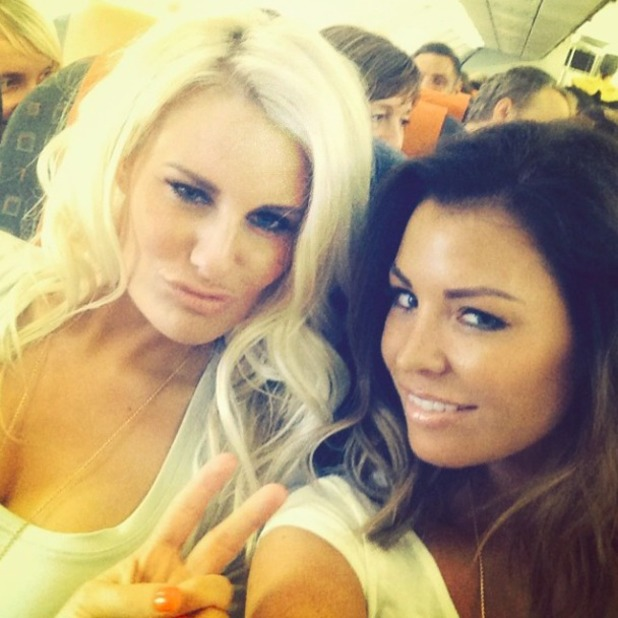 Jessica Wright shares picture of the TOWIE cast heading to Marbella, 7 June 2014