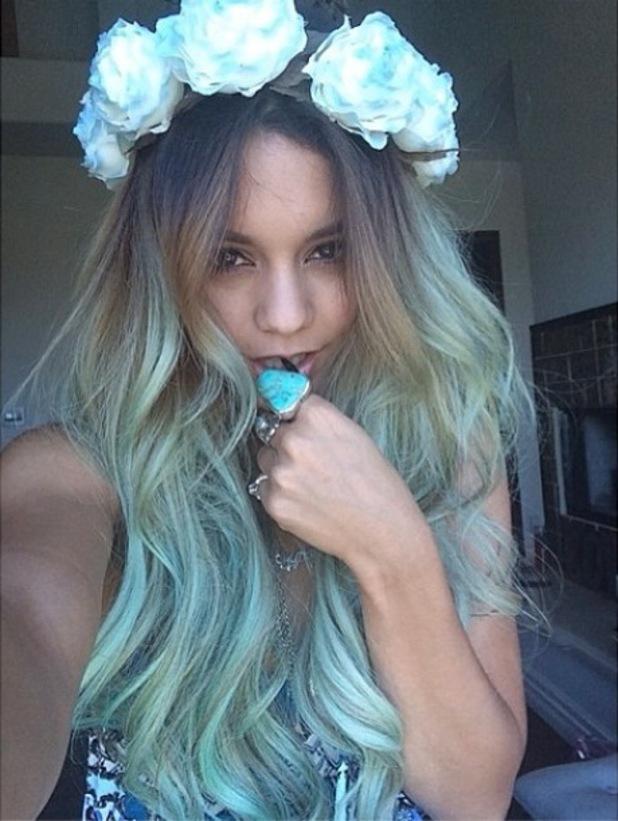 Vanessa Hudgens shows off her new green hair in an Instagram selfie - 31 May 2014