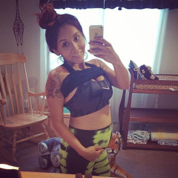 Snooki shows off her bare baby bump after working out, 4 June 2014