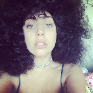 Lady Gaga shows off her crazy brunette Afro curls, 7 June 2014