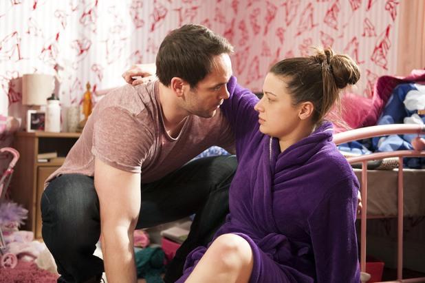 Hollyoaks, Joe helps Lindsey, Tue 10 Jun