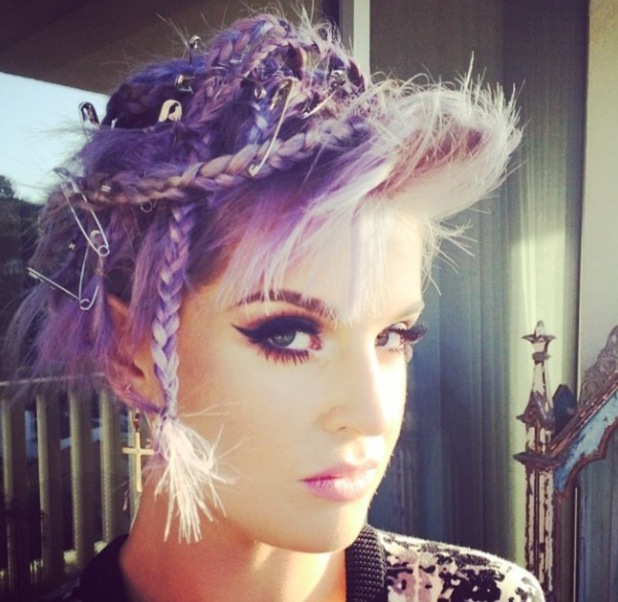 Kelly Osbourne rocks punk hair - complete with safety pins! - Beauty
