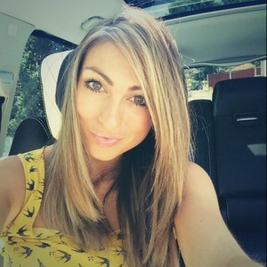 Luisa Zissman shows off new shorter Easilocks hair extensions and blonde highlights - 2 July 2014