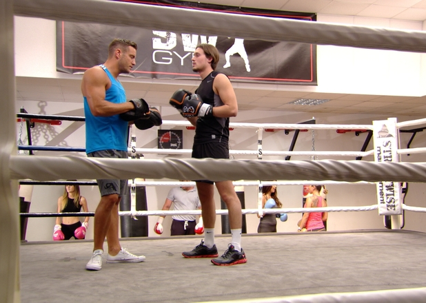 Elliot Wright and Charlie Sims boxing on TOWIE, 6/714