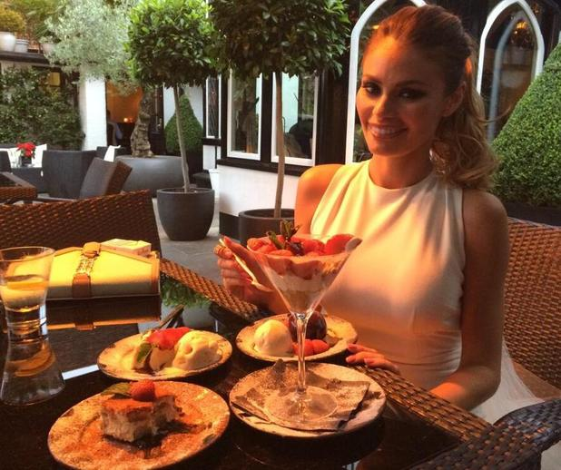 The Only Way Is Essex - Chloe Sims dines out with Elliott Wright at Sheesh, Chigwell. 2 July.