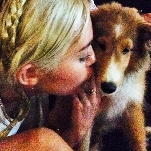 Miley Cyrus and her new dog Emu, Instagram, 7 July