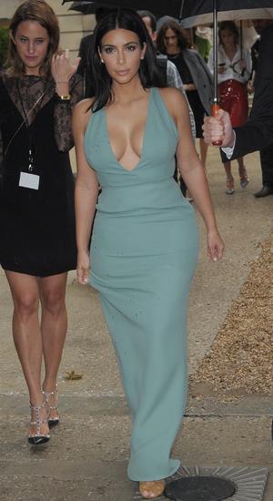 Kim Kardashian West Arriving at Valentino Catwalk - 07/09/2014 Paris, France
