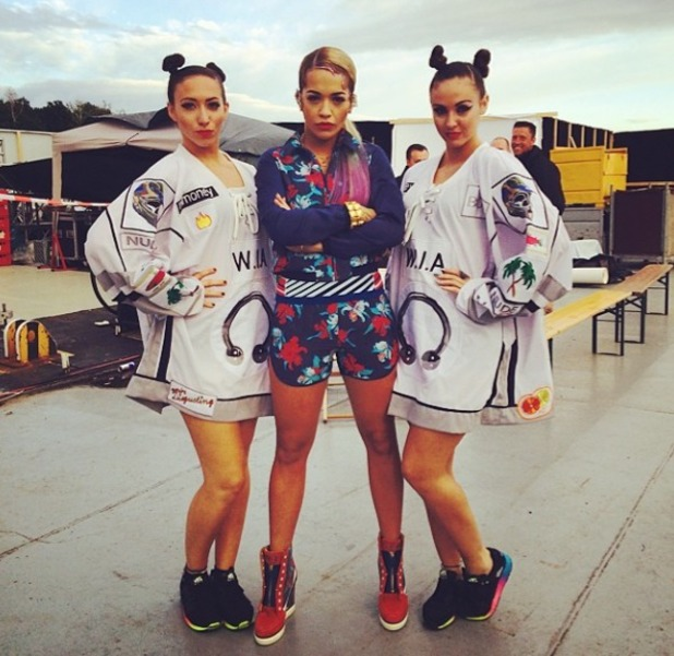Rita Ora and girls pose before a show, 13.7.14