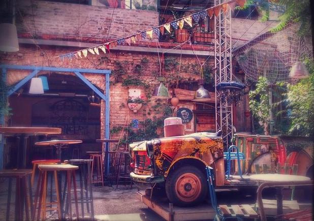 Szimpla Kert ruin bar garden view