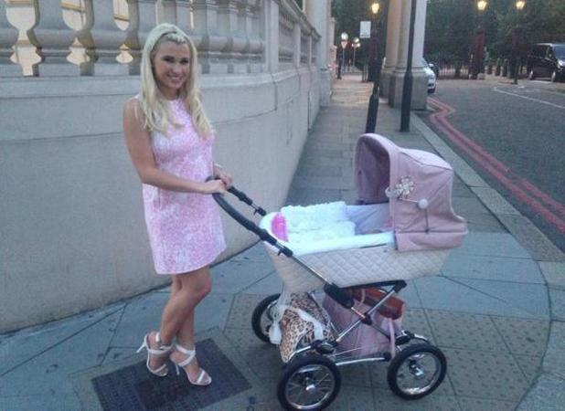 New mum Billie Faiers poses in new picture of herself with baby, 19 July 2014