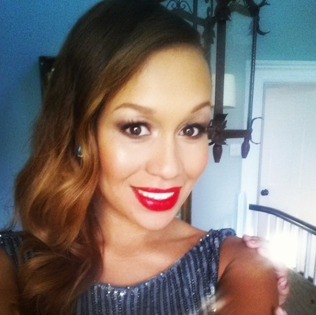 Pregnant Rebecca Ferguson shares a selfie and bump picture before a show in Henley - 14 July 2014