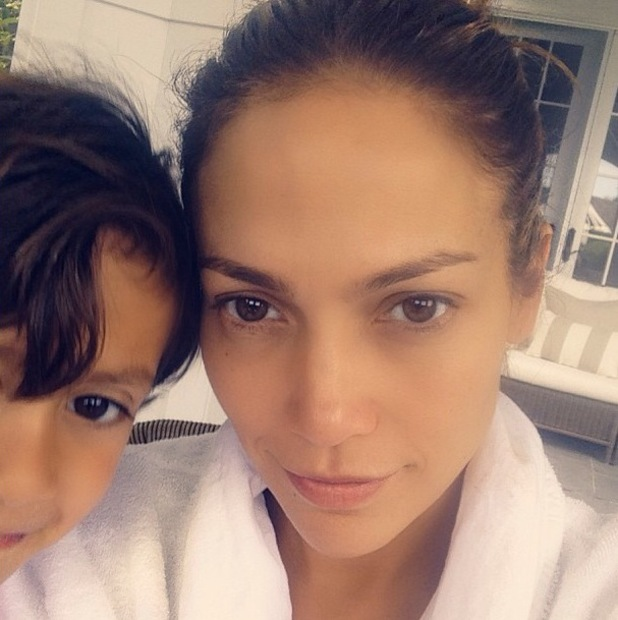 Jennifer Lopez Dares Bare Make Selfie
