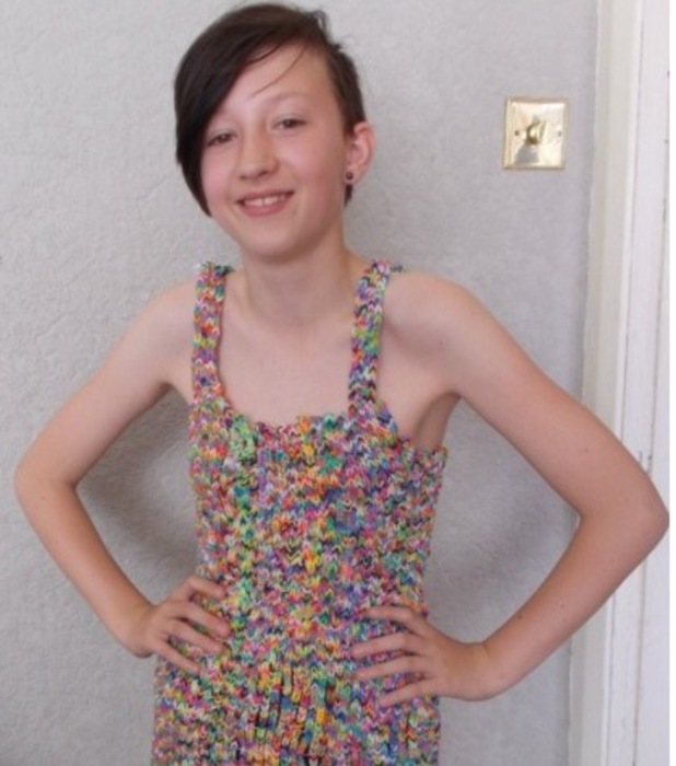 Helen Wright, made a loom band dress that has now attracted a £170,000 bid on ebay