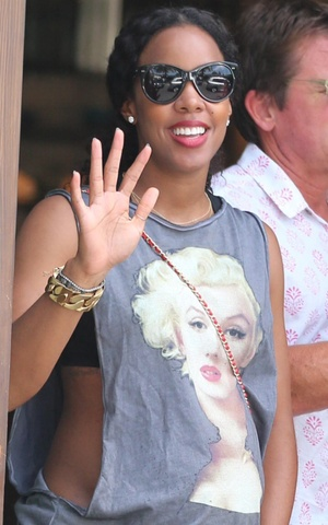 Kelly Rowland visits Cecconi's and shops at M.A.C Cosmetics while wearing a Marilyn Monroe graphic tee, 25 July 2014