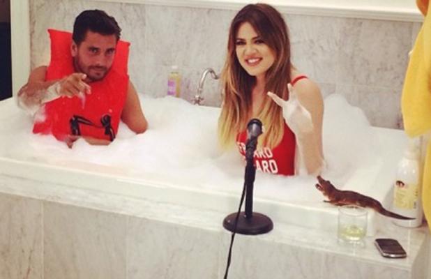 Khloe Kardashian and Scott Disick take a bubble bath together, 19 July 2014