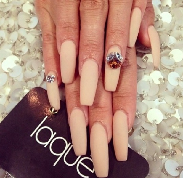 Vanessa Hudgens' matte nude nails at The 16th Annual Young Hollywood Awards, 27 July 2014