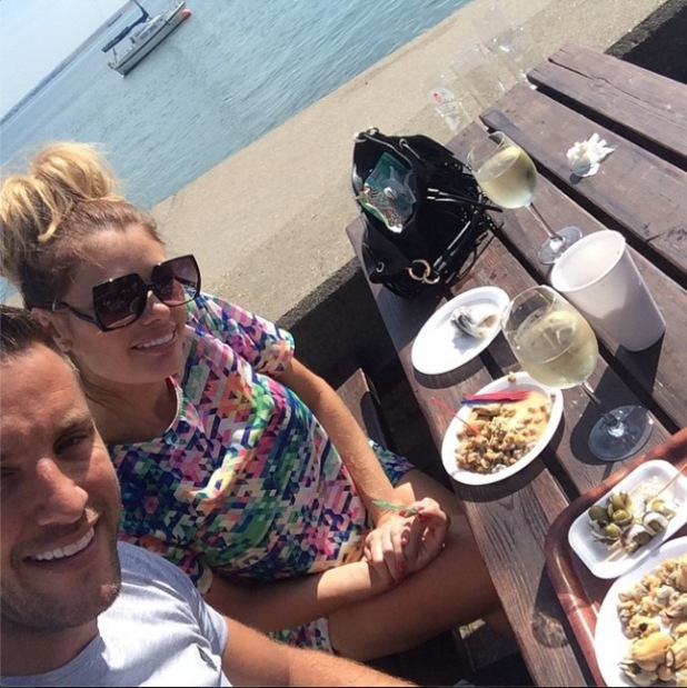 TOWIE's Chloe Sims and Elliott Wright enjoy day out at Leigh-on-Sea. (29 July).