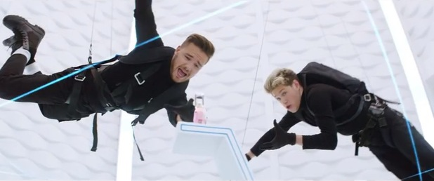 Liam Payne and Niall Horan in the advert for the One Direction YOU & I perfume - August 2014