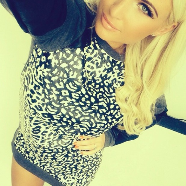 Billie Faiers takes daughter Minnie to work for the day and shares a selfie, 16 August 2014