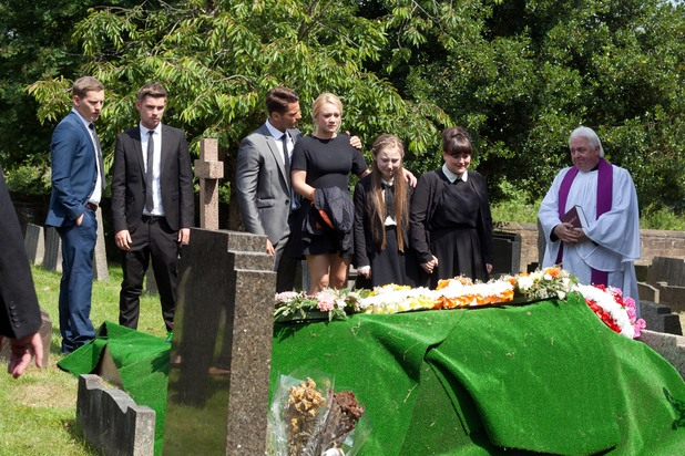 Hollyoaks, Lomax funeral, WEd 20 Aug