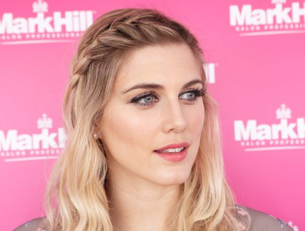 Ashley James Mic Ashley James Has Her Hair Done