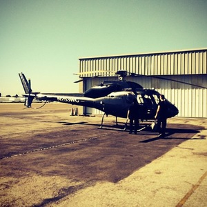 Hilary Duff takes helicopter to San Diego for radio promo, Instagram 28 August