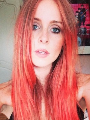 Diana Vickers dyes her hair red, 24 August 2014