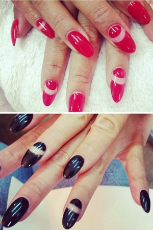 Nicole Scherzinger, negative space red and black nails, 3 September 2014