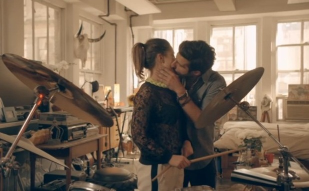 Made In Chelsea: New York - Alik Alfus and Louise Thompson kiss (31 August).