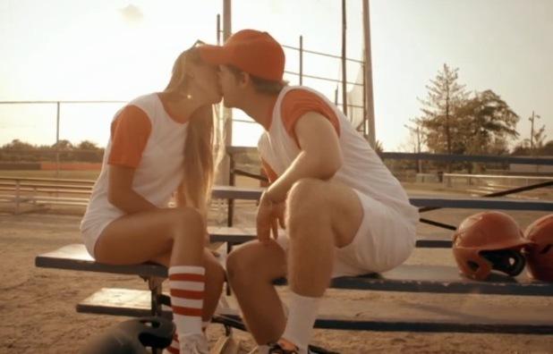 Stevie Johnson and Billie Carroll kiss, Made In Chelsea: New York, E4 30 August